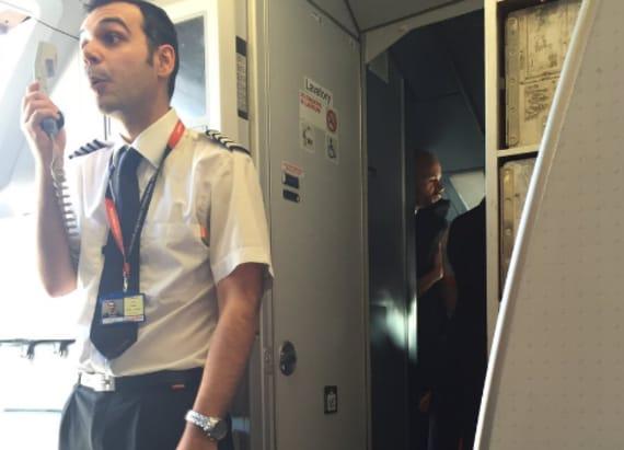 Passenger live tweets fight between attendants