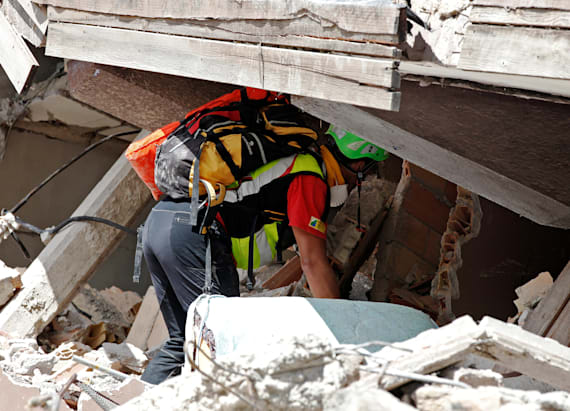 Little girl pulled from rubble of Italy earthquake