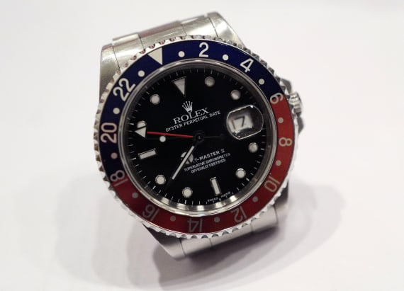 What wearing a Rolex can teach a lot about wealth