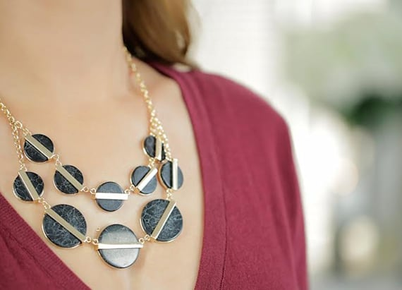 Striking marble necklace you need