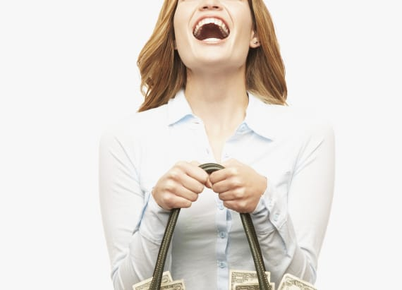 Woman wins lottery ticket worth $157,000 in handbag