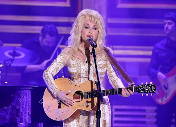 Dolly Parton back at no. 1 on Top Country albums