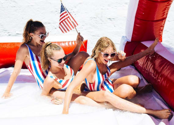 Cara Delevingne pranked T.Swift's July 4th party