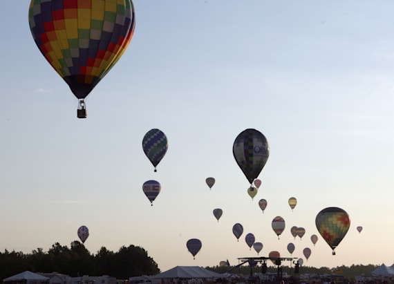 At least 16 killed in Texas hot air balloon crash