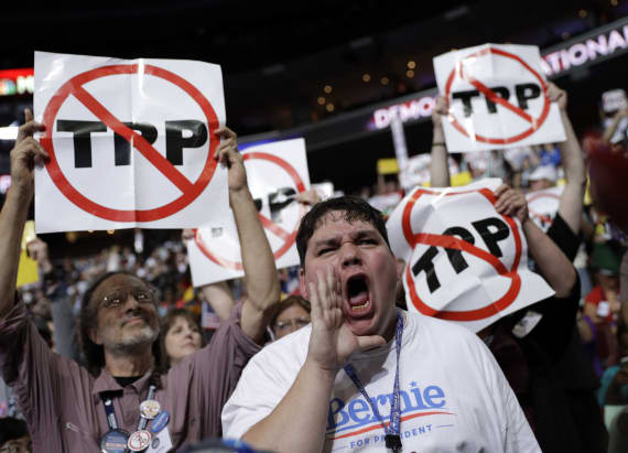 Democratic convention erupts with tension