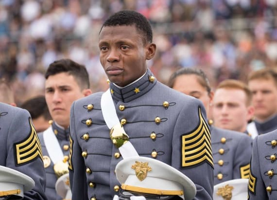 This photo of West Point grad will melt your heart