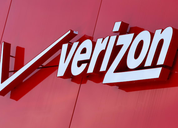 Verizon to buy Yahoo for $4.83 billion