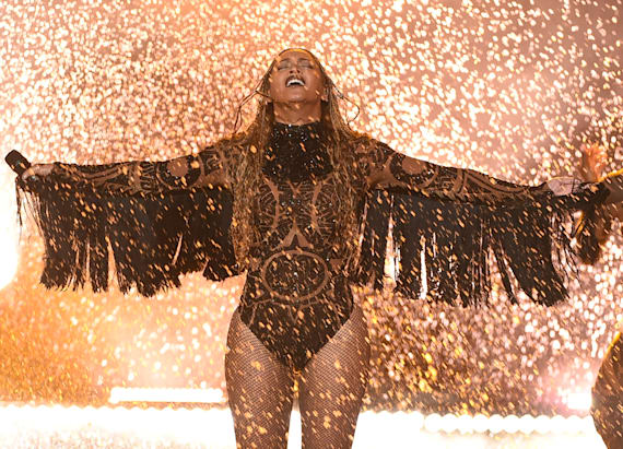 Beyonce to perform at 2016 MTV VMAs?