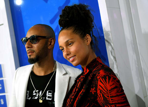 Alicia Keys defends going makeup-free at MTV VMAs