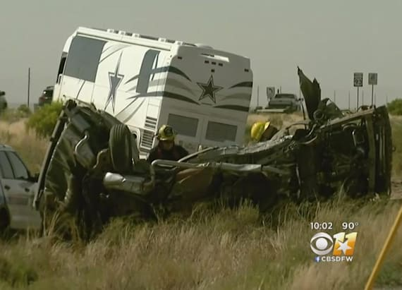 4 dead van collides bus Dallas Cowboys staff Arizona