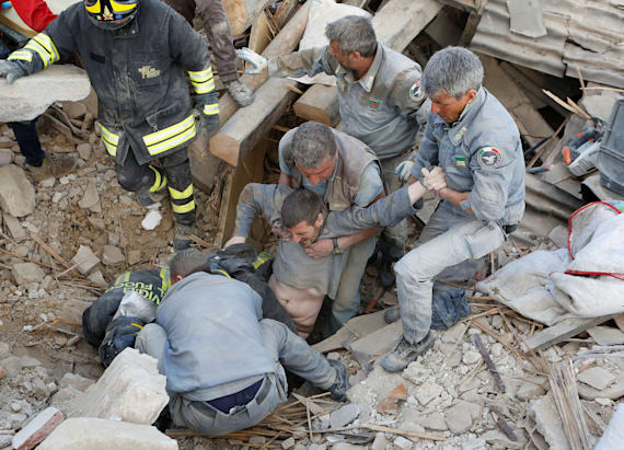 Quake devastates towns in Italy, 250 reported killed
