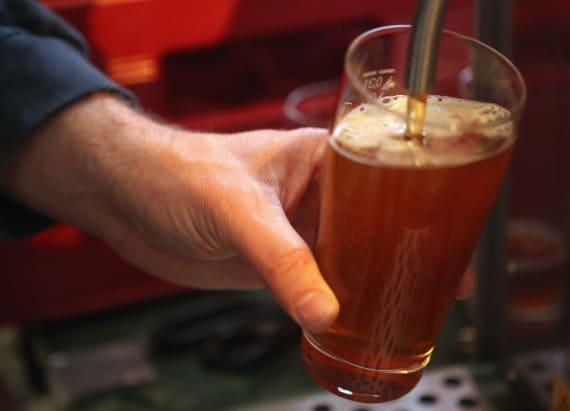 Smithsonian posts job for full time beer drinker