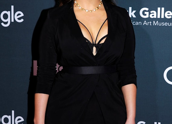 Model Ashley Graham claps back at body-shamers