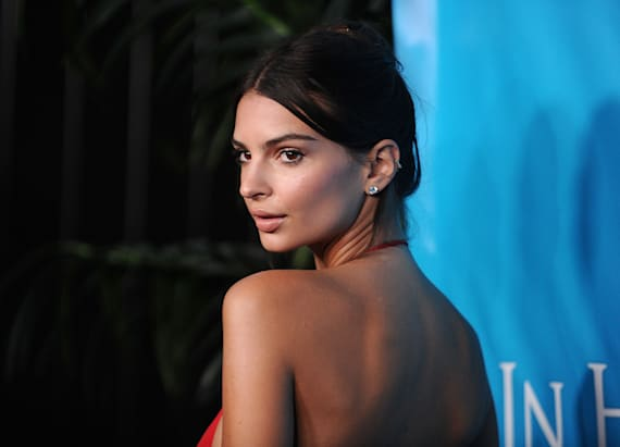 Emily Ratajkowski shows off booty