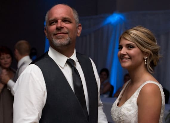 Bride stuns deaf father with touching surprise