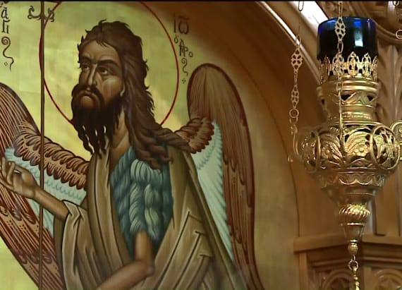 Faithful flock to 'weeping icon' in Chicago