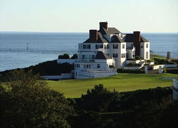 Inside T.Swift's mansion where she hosts parties