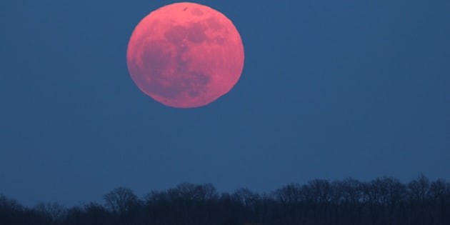 The 39 Pink 39 Moon Will Be Exactly Opposite The Sun This Week