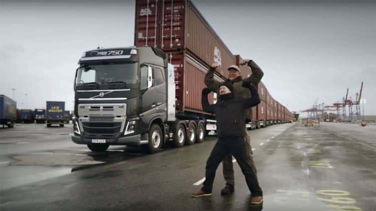 World's strongest man pulls 826 tons in a Volvo truck