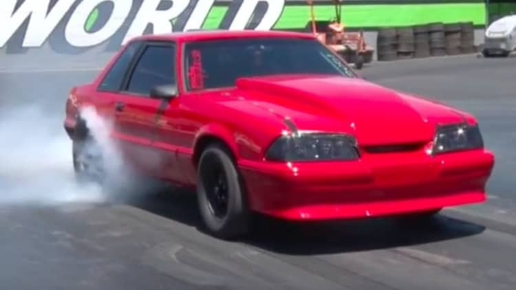 Chevy-powered Ford Mustang trolls dragstrip with 700hp V8