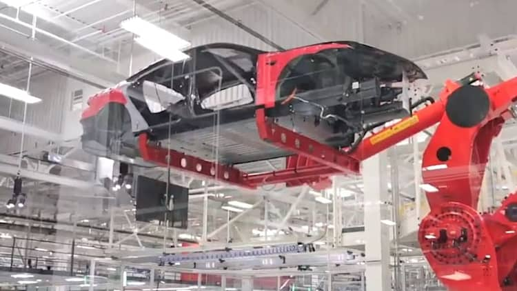Recharge Wrap-up: Video shows Tesla robots at work, Ghosn disappointed by China's EV market