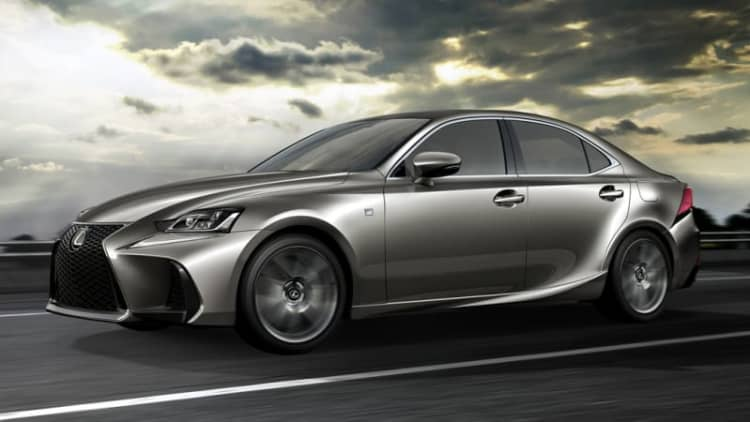 Lexus IS sedan refreshed and restyled in Beijing