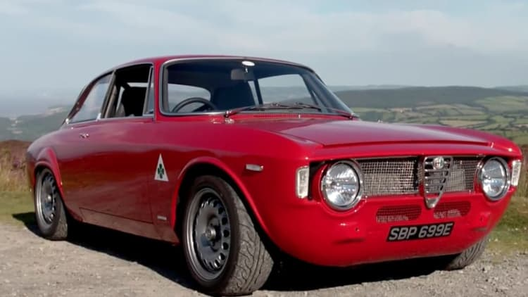 This modernized Alfa Romeo Giulia Sprint looks great, sounds even better