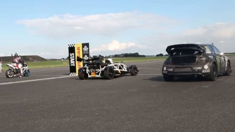 Ariel Atom 3.5R, Yamaha R1, and Rallycross DS3 drag race