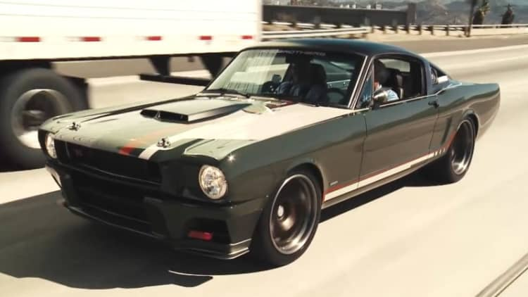 Jay Leno sneaks around in Ringbrothers' Ford Mustang Espionage
