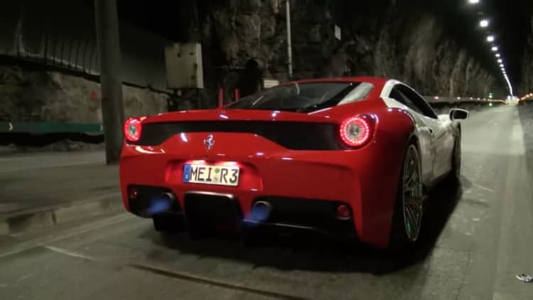 Ferrari 458 Speciale with aftermarket exhaust screams