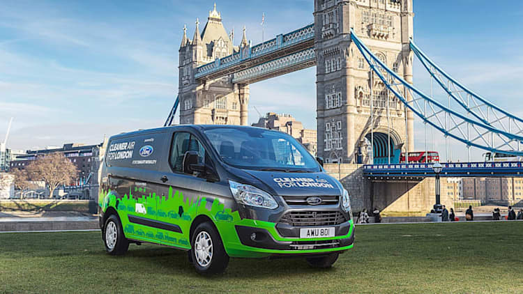 Ford will start plug-in hybrid Transit van trial in London this fall