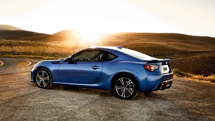 2016 Subaru BRZ gets new touchscreen, lower price