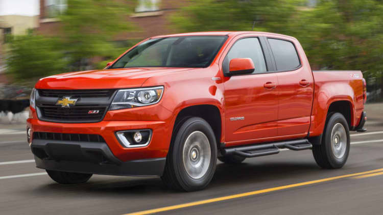 2016 Chevy Colorado and GMC Canyon recalled for opening console lids