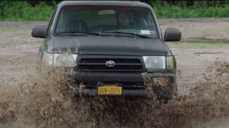 Learn how to take a beater off-road with Jalopnik