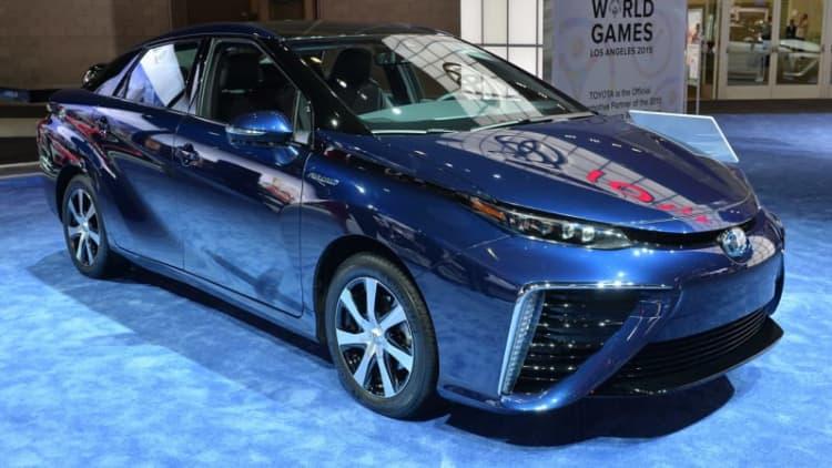 EPA rates Toyota Mirai at 67 mpge with 312-mile range