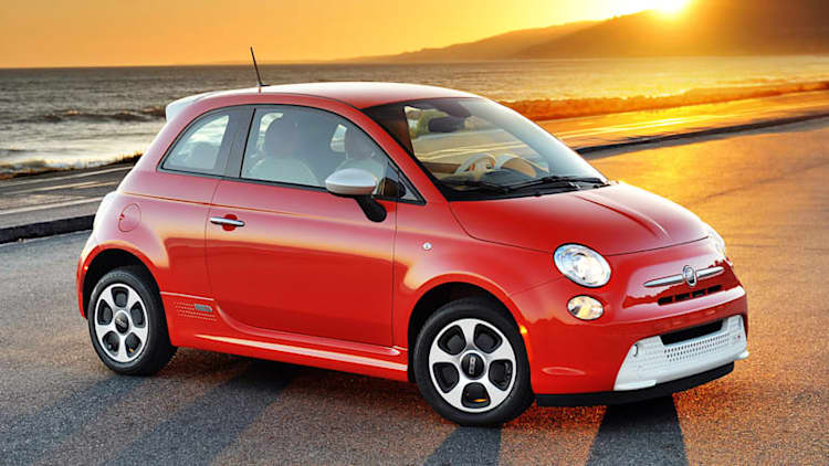 5,600 Fiat 500e EVs recalled for buggy software