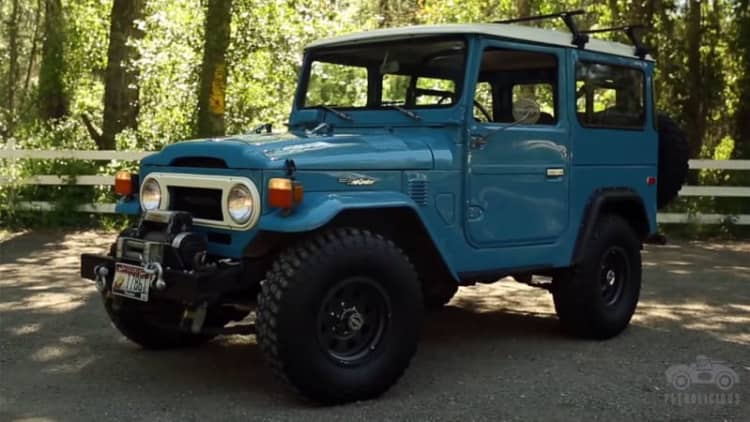 Petrolicious geeks out off-road in Toyota FJ40