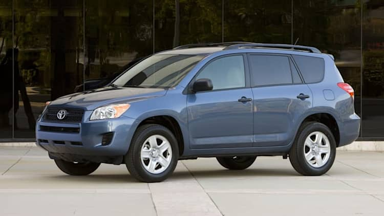 Toyota recalls 423.5k RAV4s for faulty windshield wipers