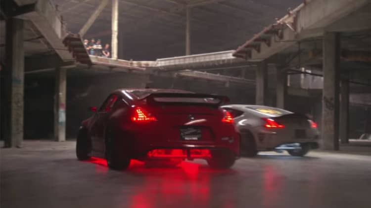 Drifting abandoned mall in Nissan Zs is the new Black Friday