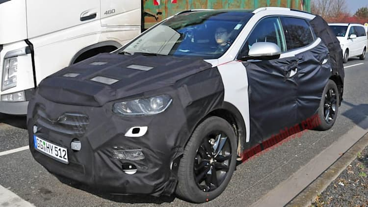 Hyundai Santa Fe facelift and interior redo spied