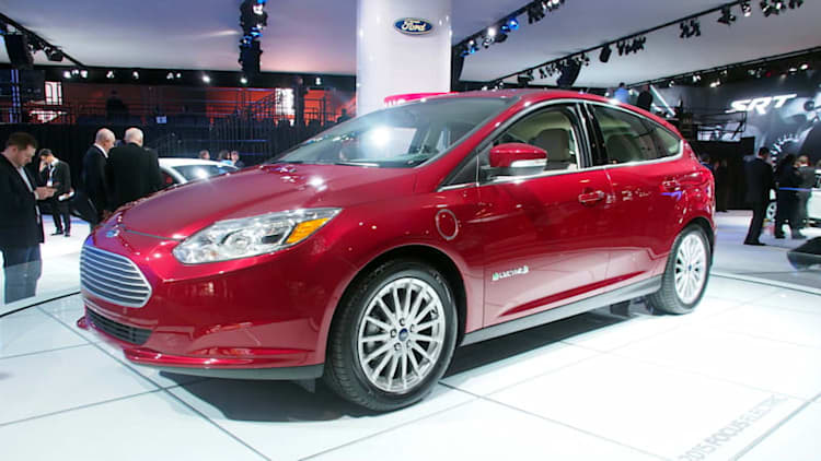 Ford sticks with mediocre 100-mile Focus Electric range