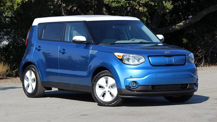 Kia continues Ecology Center support, donates Soul EV