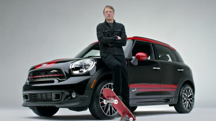 Mini's Super Bowl ad stars Serena Williams and Tony Hawk