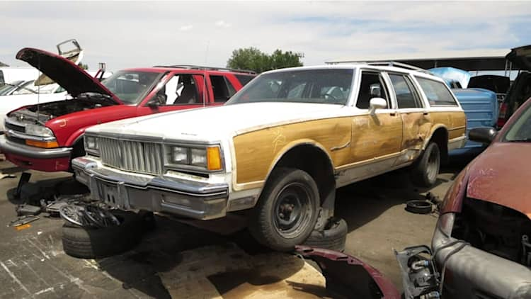 Junkyard Gem: 1987 Pontiac Safari Station Wagon