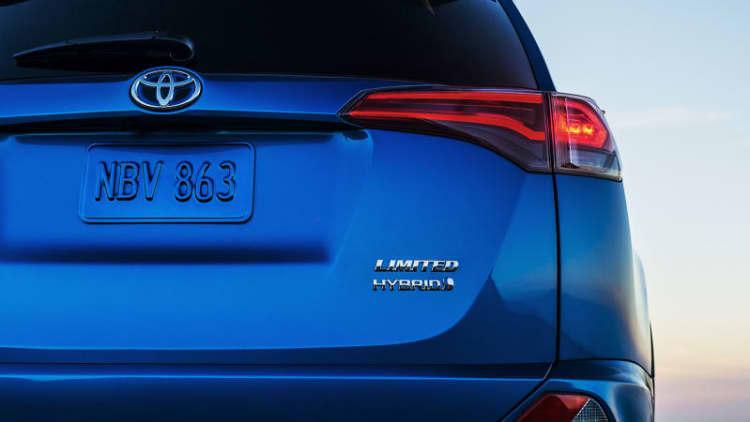 Toyota teases 2016 RAV4 Hybrid for New York Auto Show