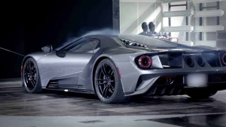 Watch the Ford GT hit 125 mph standing still