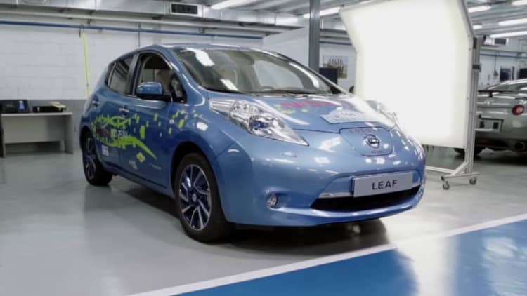 Spanish Nissan engineers build 150-mile range Leaf for racing