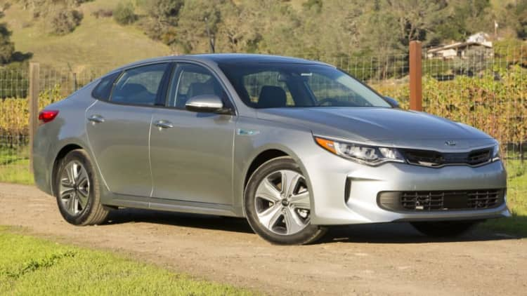 Automatically efficient | 2017 Kia Optima Hybrid Quick Spin