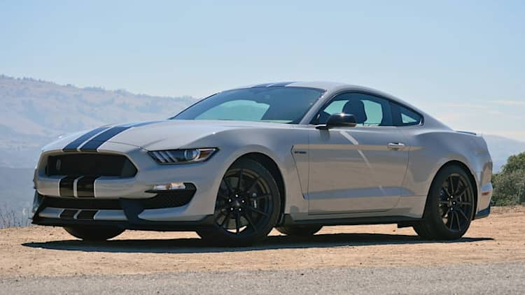Ford recalls 8,000 Shelby GT350 Mustangs for leaky oil lines