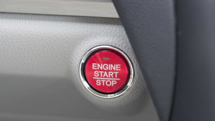 10 automakers sued over keyless ignitions